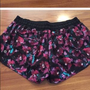 lululemon athletica Shorts - LULULEMON Hotty Hot Short Size 10